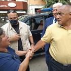 Няма да се давате на тия червени боклуци, настоява активистка пред Бойко Борисов в Пловдив. Снимки: Радко Паунов
