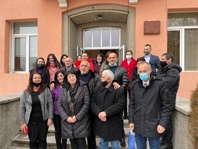 """Премиерът Борисов посети ОУ """"Христо Ботев"""" в Дъбница и се срещна с учители СНИМКА: Фейсбук"""