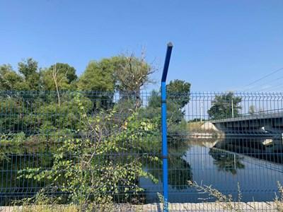 Жп моста на Кадиево открай време е проблемен откъм наводнения.