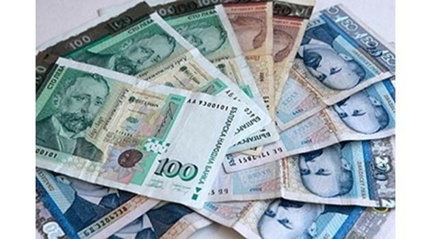 Закопчаха разследващ полицай докато взима подкуп във Варна