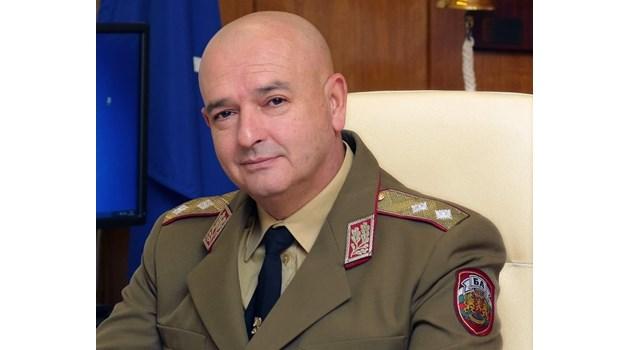 """Коментар №1 на седмицата: След """"яко ще измрат"""" Мутафчийски няма да е следващият президент"""