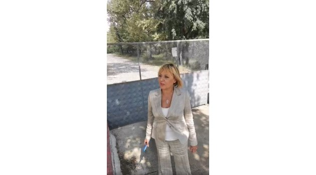 """Мая Манолова напира към спалнята на Бойко Борисов в """"Паламара"""" (ВИДЕО)"""