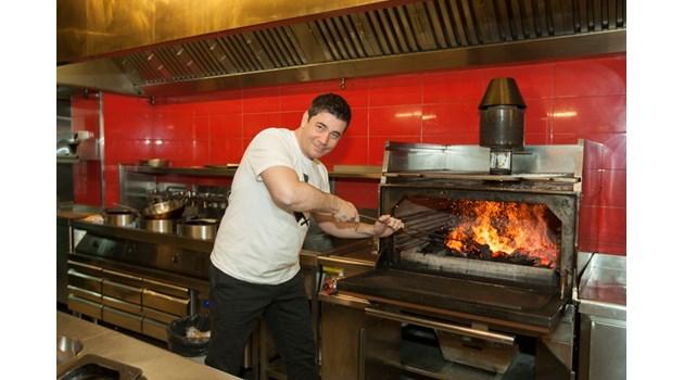 Шеф Виктор Ангелов: Кой ще надделее: Hell's Kitchen или MasterChef? Шегувате ли се?!