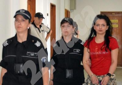 21-годишната Красимира Костова в съда. Снимка:Елена Фотева СНИМКА: 24 часа