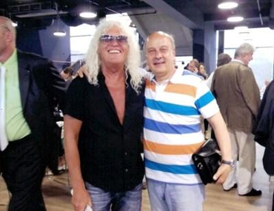 """Георги Марков (в дясно) заедно с вокалистът на """"Омега"""" Янош Кобор"""