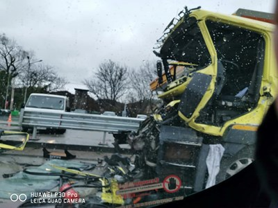Само с натъртвания е 49-годишният шофьор от катастрофата на изхода на Велико Търново