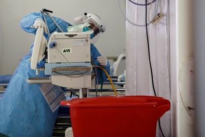 COVID-19 е съпроводен с поява на сериозни проблеми на стомашно-чревния тракт СНИМКА: Ройтерс