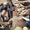Учениците на археологически разкопки