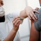 Жените по-често с алергични реакции към ваксината