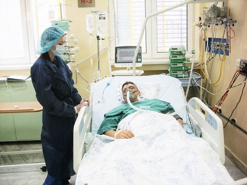 """Бившият полицай на болничното легло в """"Света Екатерина"""" малко след трансплантацията"""