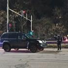 Според шофьора децата минали през процеп и излезли на булеварда при червен светофар за пешеходци.