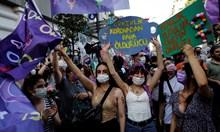 Хиляди се събраха на протест срещу излизането на Турция от Истанбулската конвенция