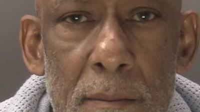 Карвел Бенет се възползва сексуално от 13-годишно момиче, наето да гледа деца в семейството му.