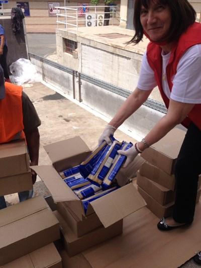 В Несебър започна ново раздаване на хранителни пакети.