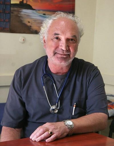 Началникът на инфекциозната клиника доц. Андрей Петров СНИМКА: Евгени Цветков