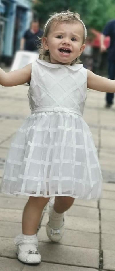 Малката Екатерина в деня на кръщенето си Снимка: Личен профил на Мариана Попова във фейсбук