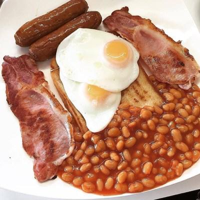 Тлъстата английска закуска е лек след прекаляване с алкохола.  СНИМКИ: ПИКСАБЕЙ