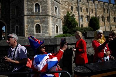 Оживление цари в Уиндзор преди кралската сватба. СНИМКА: Ройтерс
