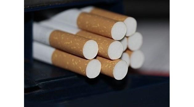 Иззеха над 1 100 къса цигари и 33 кг тютюн при проверка в Лом