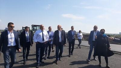 Борисов с кмета на Бургас Димитър Николов и депутати от ГЕРБ.Снимка:Тони Щилиянова