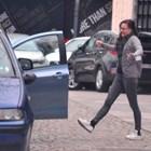 Бакърджиев помага на Флори да паркира