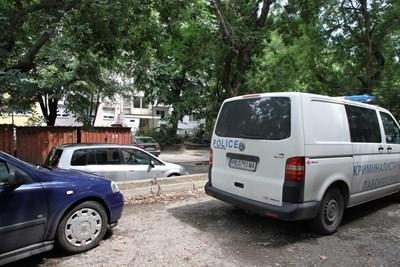 Мястото, където е бил прострелян охранителят. СНИМКА: Анелия Перчева