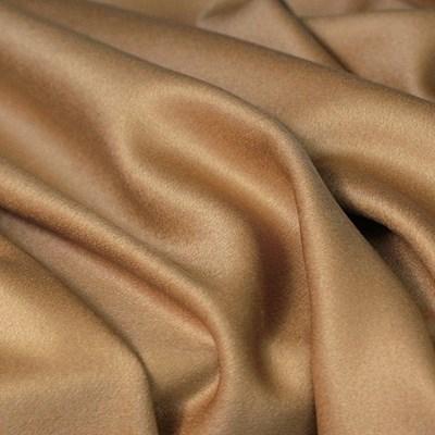Кашмиреният плат при допир е като копринено-кадифена милувка. СНИМКИ: ИНСТАГРАМ
