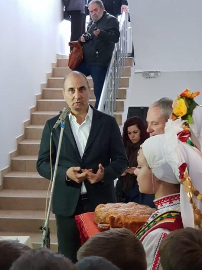 Цветан Цветанов откри новата обновената спортна зала в Търговище СНИМКИ: пресцентърът на ГЕРБ