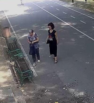 Двете жени, които полицията търси.