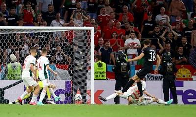 Влезлият като резерва Леон Горецка вкарва гола, който спаси Германия от невиждан срам и разочарова жестоко гостите от Унгария. СНИМКА: РОЙТЕРС
