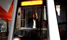 Слагат прегради срещу самоубийци и по старите спирки на метрото (Видео)