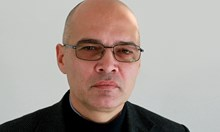 Тихомир Безлов: Големи чужди разузнавания нямат проблем да получат наши лични данни