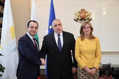 Никос Христодулидис, Бойко Борисов и Екатерина Захариева СНИМКИ: Министерският съвет