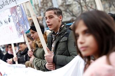 Унгарските роми се оплакват, че правителството ги пренебрегва в мерките срещу коронавируса СНИМКА: Ройтерс