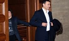 Съдии ходили на лов в имот на Миню Стайков, докато е в ареста. Назад във времето там гостували и много политици