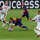 Меси вкара гол от почти легнало положение