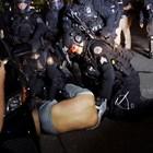 Десетки са задържаните след среднощните сблъсъци в Портланд Снимки: Ройтерс