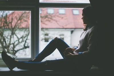 Пандемията много силно засегна младите с отнемането на живота, който смятат, че им се полага.