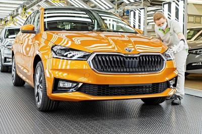 Skoda спира производството на нови коли от 18.10. до края на годината