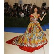 Актрисата Зендая ще се превъплъти в образа на певицата Рони Спектър в биографичен филм