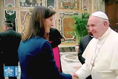 Мария Габриел при папата - защитават децата в дигиталния свят