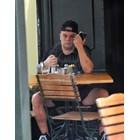 Сам с телефона се занимава Кристо
