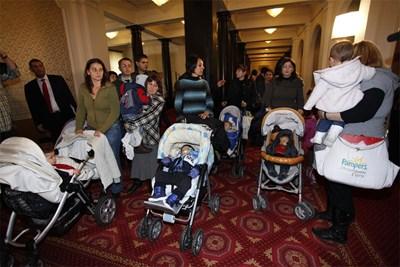 Миналата година протестиращите майки бяха приети от тогавашния председател на НС Цецка Цачева.  Снимка: Архив