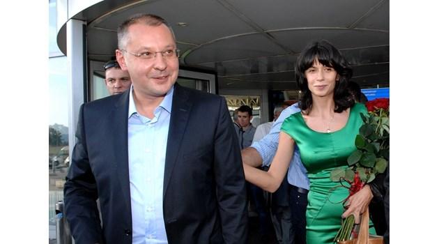 """ГЕРБ вини съпругата на Станишев - Моника във връзки с """"Инерком"""" за сделката с ЧЕЗ"""