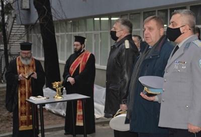 И.д. директор на военното разузнаване полк. Велко Атанасов (на преден план) с министъра на отбраната Красимир Каракачанов на отбелязването на 113-ата годишнина от основаването на службата на 12 януари 2021 г.