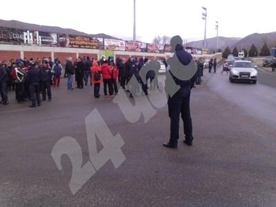 Началото на протеста съвпада с началото на заседанието на Министерски съвет. СНИМКА: АВТОРКАТА СНИМКА: 24 часа