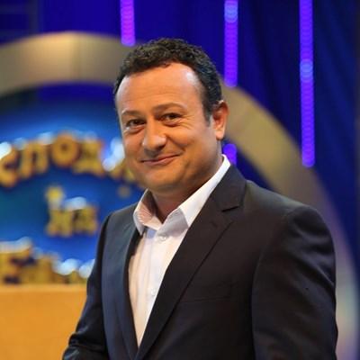 Димитър Рачков докладва за фалшив негов профил във фейсбук