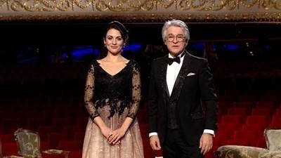 Диана Димитрова и Орлин Горанов са водещи на благотворителния спектакъл. СНИМКА: БНТ