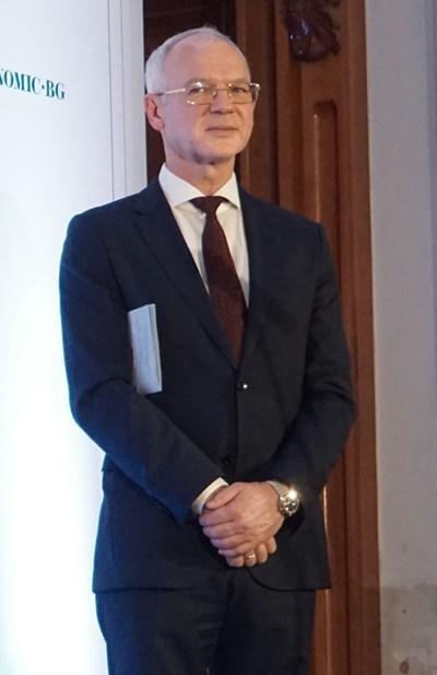 Председателят на АИКБ Васил Велев