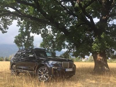 Тест на BMW X7: Големият брат